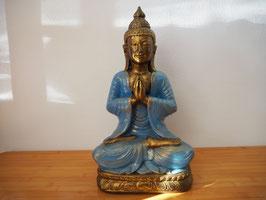 Buddha in Gebetsgeste, sitzend auf Lotus, aus Resin - B19/57