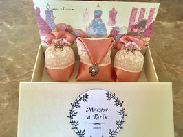 Maryse a' Paris / La Modiste / Le Chapeau / 帽子 / Parfum:Bouquet de Roses / バラの花束の香り / お洒落帽子,靴店 / フレグランス / 香り袋 /     ~ Made in France ~ フランス 輸入品 ~