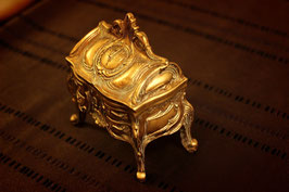 RB-02 レジン脚付BOX M GOLD