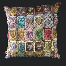 Pillow - Kissen - Coussin Plw 015 Prece