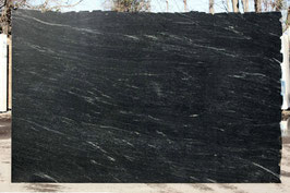 Granit Treppe Via Lattea poliert gewendelt