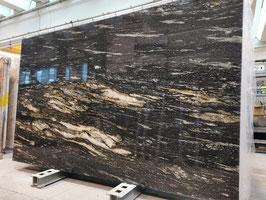 Granit Treppe Black Taurus Gold poliert