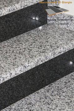 Granit Treppe 2 farbig Bianco Sardo/Nero Impala poliert