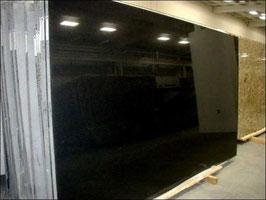 Granit Treppe original Nero Assoluto poliert gewendelt