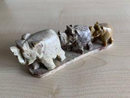 Speckstein-Elefanten, 3er Gruppe auf Speckstein-Platte - 1