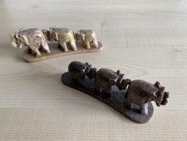2 x Speckstein-Elefanten, 3er Gruppe auf Speckstein-Platte - 13