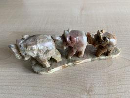 Speckstein-Elefanten, 3er Gruppe auf Speckstein-Platte - 3