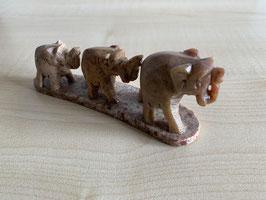 Speckstein-Elefanten, 3er Gruppe auf Speckstein-Platte - 8