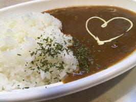 【レンジ対応】とんこつスープで仕込んだ極上ポークカレー