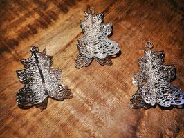 kleine Metallbäumchen zum Legen oder Hängen in silber