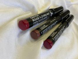AVRIL    Crayon rouge à lèvres