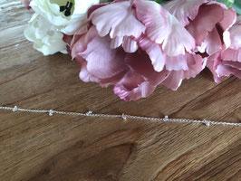 Silberkette mit Kügelchen