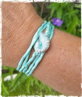 Bracelet Shell of Silk