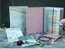 """Knit Pro Weihnachtsgeschenkset 2021 """"SELF Love"""""""