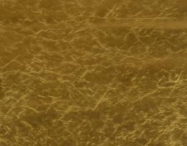 Morceau de cuir d'agneau doré