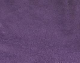 Morceau de cuir d'agneau violet métallisé