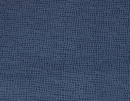 Morceau de cuir de vachette bleu marine imprimé iguane