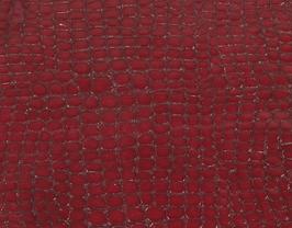 Morceau de cuir de chèvre rouge foncé imprimé crocodile