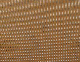 Morceau de cuir de vachette nubuck perforé tabac