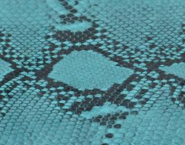 Morceau de cuir de vachette turquoise imprimé python