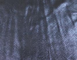 Morceau de cuir de vachette bleu métallisé imprimé tissé