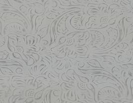 Morceau de cuir de vachette écru imprimé fleurs