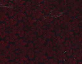 Morceau de cuir de chèvre noir imprimé fleurs bordeaux