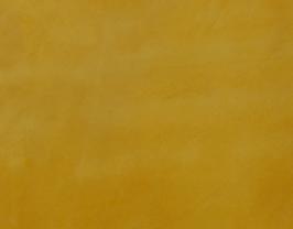 Morceau de cuir de baby veau velours moutarde