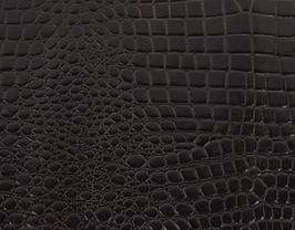 Morceau de cuir de vachette aubergine imprimé crocodile