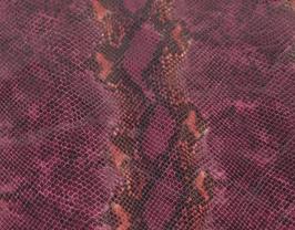 Morceau de cuir de chèvre violet imprimé python