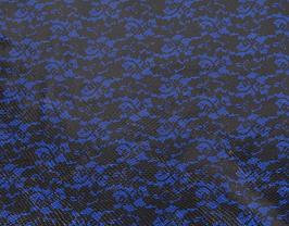 Morceau de cuir de vachette bleu imprimé fleurs noires