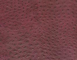 Morceau de cuir de vachette bordeaux imprimé autruche