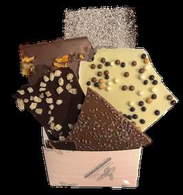 Cube XL Mixte Noir Sao tomé 70%,300gr  Lait Madagascar 38%, Blanc 38% et Blanc caramel