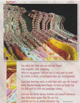 Postkarte Kleiderbügel - kein Jahr von der Stange