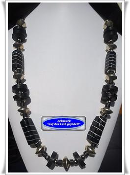 121. schwarze Trade Beads-Kette