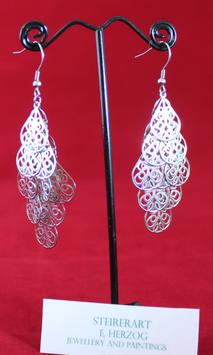 Sehr schöne Ornament Ohrringe aus Edelstahl