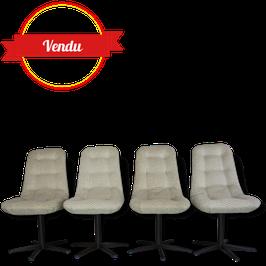 Suite de 4 chaises 1960-70 design et confortables