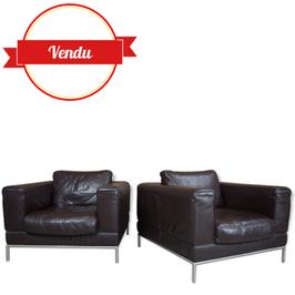 Paire de fauteuils design en cuir