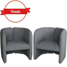 Paire de fauteuils club design Bulo
