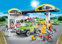 70201 Grosse Tankstelle