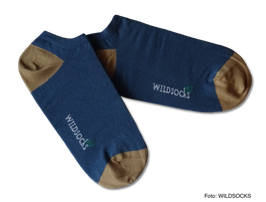 Sneaker-Socken von WILDSOCKS - Fresh Blue Bio-Baumwolle