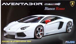 Lamborghini  Aventador LP700-4 Bianco Rosso (2012) - Fujimi 12564