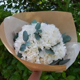 Bouquet Hortensias et eucalyptus stabilisés.