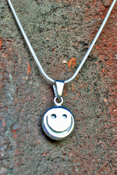 Mr. Smiles Silver Plate MIT Kette
