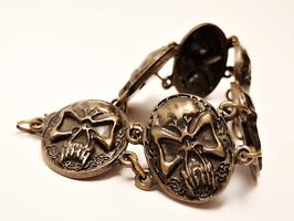 Armband nordischer Totenkopf