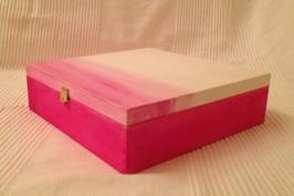 Margit Anglmaier: Box Pink