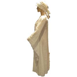 Hut und Robe Unterkleid aus 40% Leinenund 60% Baumwolle