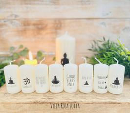 *Yoga Kerzenset XL * Geschenke Yoga & Meditation 8 Minikerzen je 8/4 cm + 1 Kerze Buddha Namasté 15/7 cm