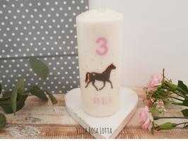 Geburtstagskerze ⋆ PFERDELIEBE ⋆ Pferd mit Zahl & Namen und kleinen Sternen