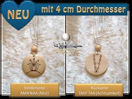 Kristall-Amulette, -Anhänger aus Holz